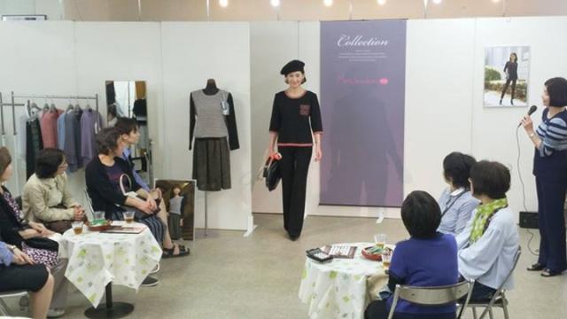 南銀座の池田では、昨日と今日の2日間限り、メグ・カワカミさんのオーダーニットの展示会&ファッションショーを開催中です!本日5時までです!